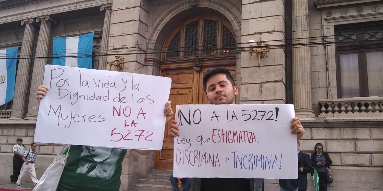 La ley 5272 no solo afectará a homosexuales, criminalizará a la mujer y a los profesionales de la salud