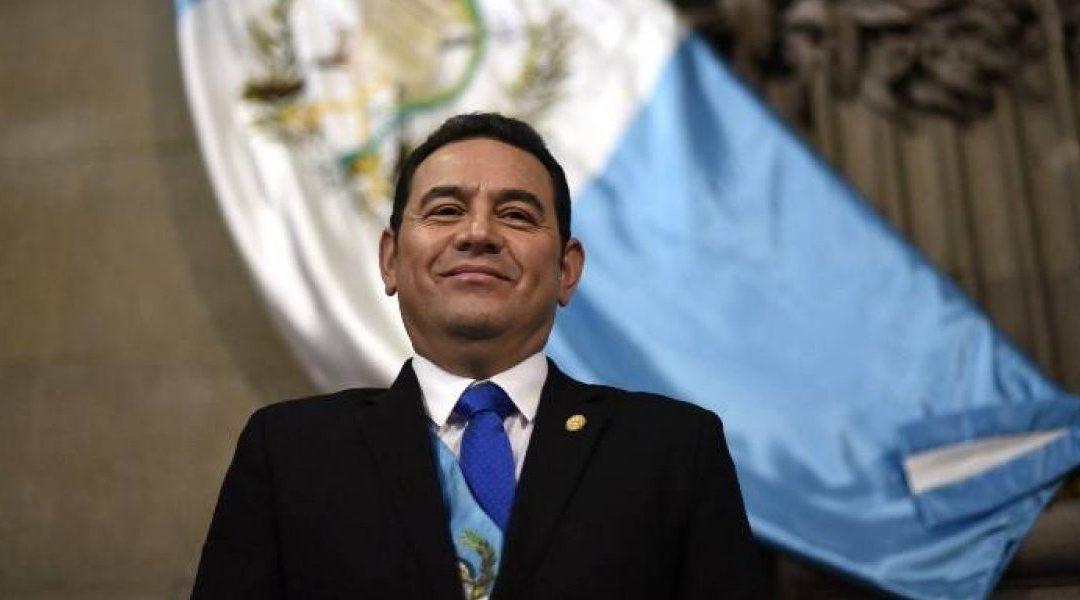 Ley de Aceptación de Cargos: Jimmy Morales avala una versión más sofisticada del Pacto de Corruptos