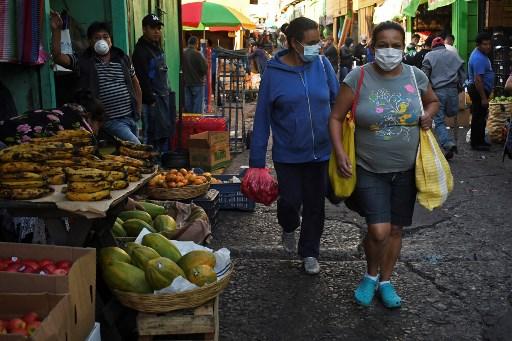 El guatemalteco quiere todo de gratis