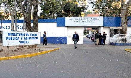 Reestructura en medio de crisis en el Ministerio de Salud
