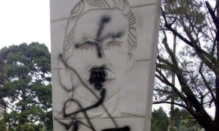 Esto se sabe sobre quienes vandalizaron monumento a Arzú