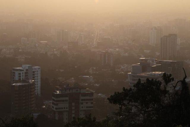 Ministerio de Salud lanza alerta nacional ante llegada de polvo del Sahara