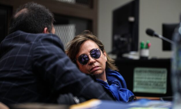 La UNE Y Sandra Torres: Marrullerías de ayer y hoy