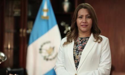 Patricia Marroquín, esposa de Jimmy Morales se presenta ante la justicia