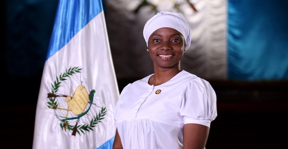 Ministra de Cultura y Deportes tiene covid-19