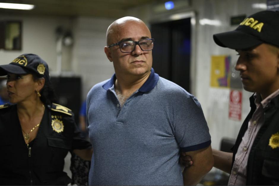Exministro se contagia de covid-19 y logra salir de prisión
