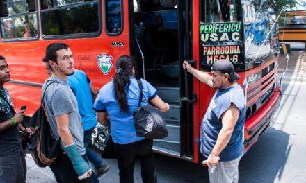 Empresarios quieren cobrar Q10 de pasaje en el transporte público