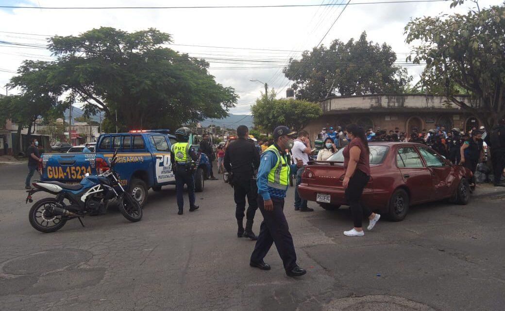 Persecución en Villa Nueva termina en accidente y capturas