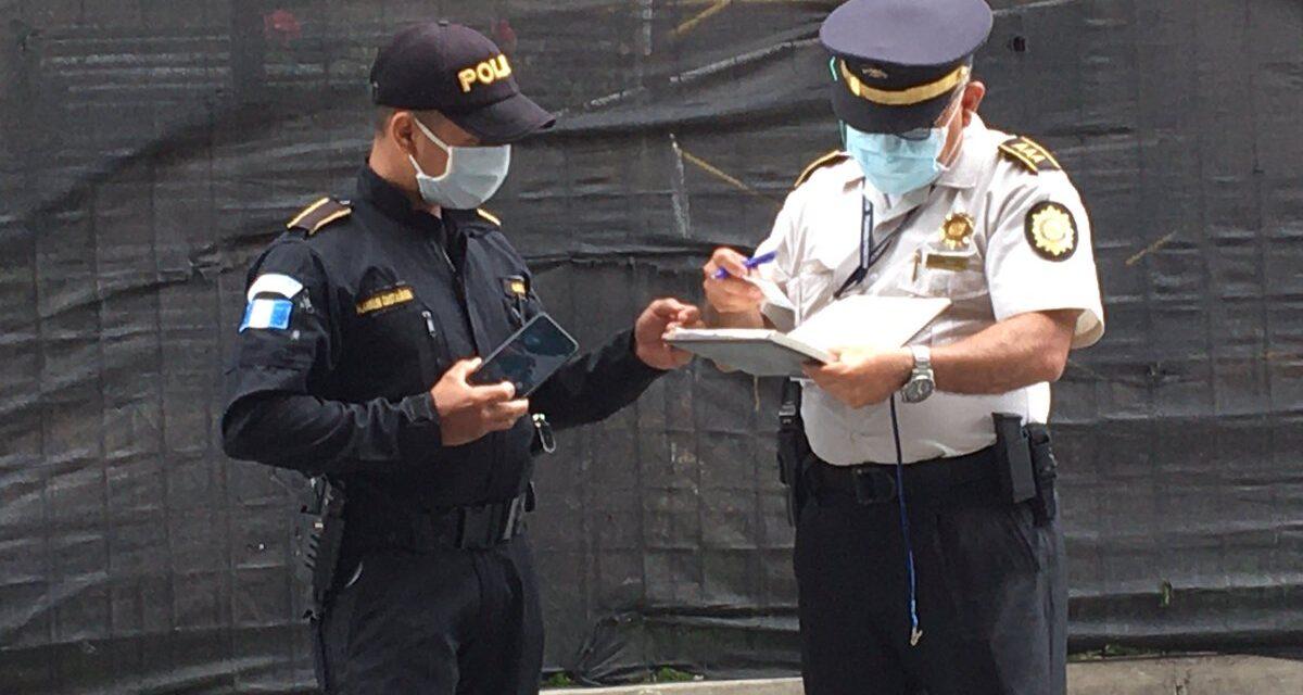 Agentes de la PNC agreden al periodista Sonny Figueroa