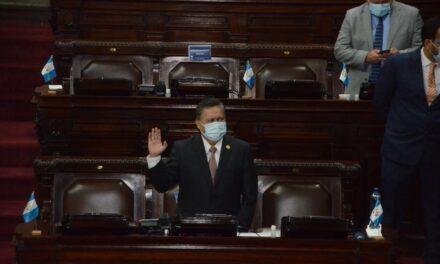 Alianza oficialista protege a ministro durante interpelación