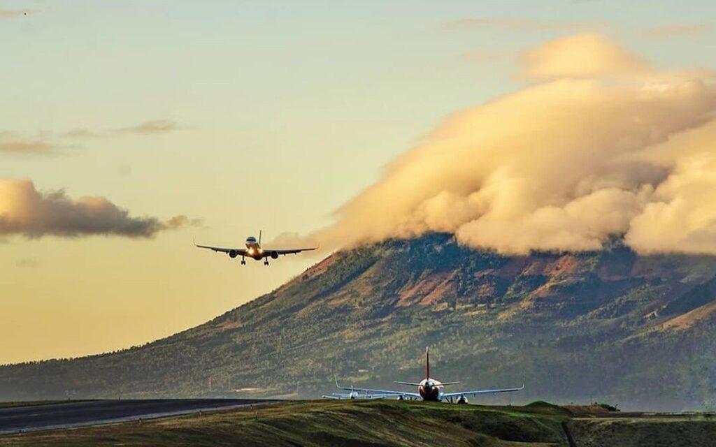 Aeropuerto Internacional La Aurora volverá a operar este mes