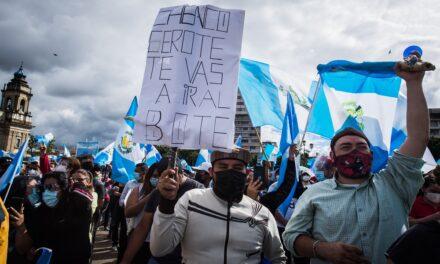 Manifestaciones y Covid-19 no se detienen en Guatemala