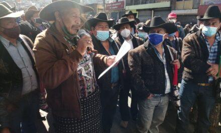 Autoridades indígenas de Sololá exigen renuncia de Giammattei