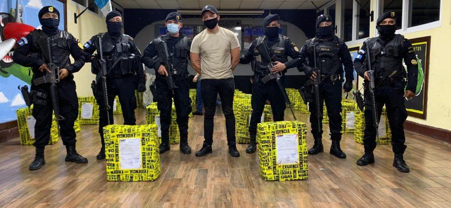 Narcoavioneta se estrella en Champerico; capturas, un fallecido y cocaína incautada