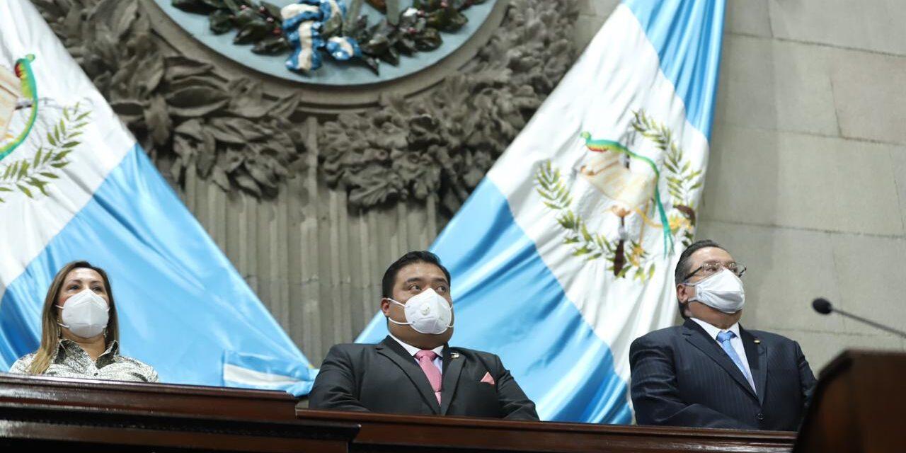 Los diputados del pacto de corruptos no van a cesar