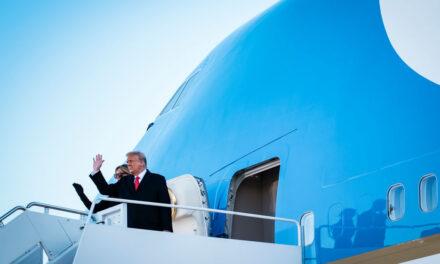 Donald Trump abandonó hoy la Casa Blanca