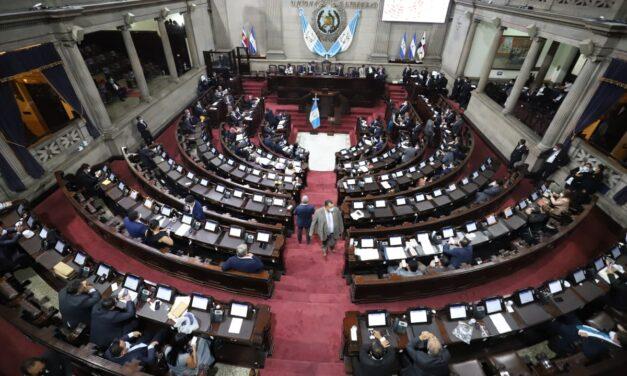 Pacto de corruptos a favor de la explotación de chapines en zonas francas