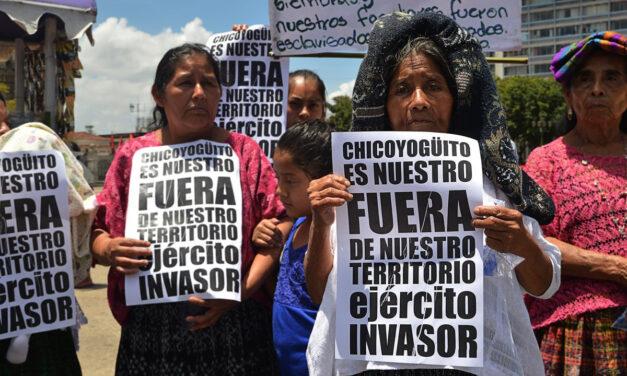 Embrocan a 21 manifestantes kekchís en Chicoyogüito, Alta Verapaz