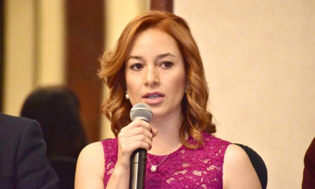 Alejandra Carrillo la agarra en contra de mujer que la denunció