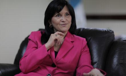 Gloria Porras no tiene impedimento para asumir en la CC