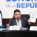 Presidente del Congreso sigue retrasando juramentación de Porras