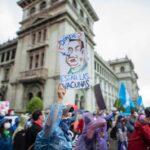 Giammattei enfrenta una crisis política total