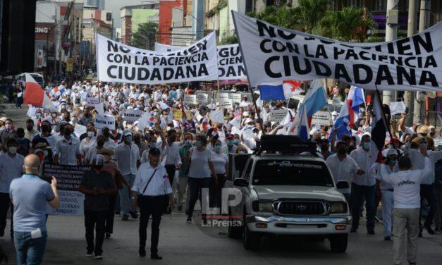 Panameños alzan la voz contra la Asamblea Nacional