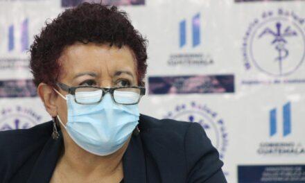 Diputados denuncian a ex ministra de Salud, Amelia Flores